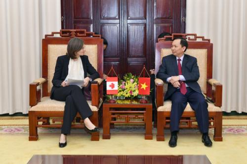 Phó Thống đốc Đào Minh Tú tiếp và làm việc với Đại sứ Canada tại Việt Nam