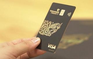 Ngân hàng tăng lợi thế từ thẻ VIP dành cho giới nhà giàu