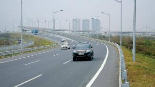 Đề xuất thu phí tối đa 1.500 đồng/km trong 8 dự án cao tốc Bắc - Nam