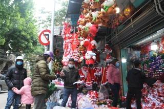Cận kề Giáng sinh, thị trường đồ trang trí