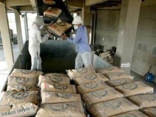 Xi măng: Tiêu thụ nội địa giảm, sức ép từ thị trường xuất khẩu