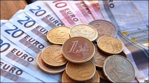 Eurozone: Lạm phát năm chỉ còn giảm 0,3% trong tháng 2