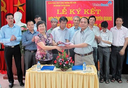 VietinBank tài trợ 30 tỷ đồng vốn lưu động cho Xi măng Tân Quang