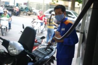 Giữ nguyên giá bán các mặt hàng xăng dầu