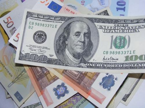 Euro tăng lên cao nhất trong 5 tháng so với USD sau vòng bầu cử đầu tiên ở Pháp