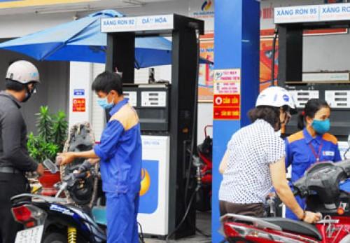 Thuế bảo vệ môi trường đối với xăng dầu chính thức tăng gấp 3 lần