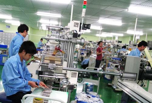 Sản xuất công nghiệp tăng chậm