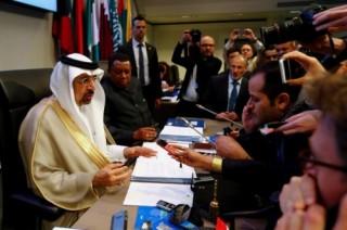 OPEC và các nhà sản xuất lớn đồng thuận cắt giảm sản lượng thêm 9 tháng