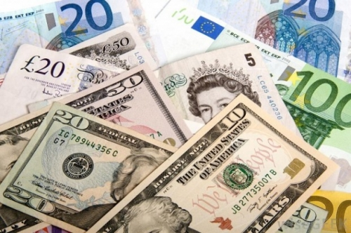 USD bật tăng lên cao nhất 6 tháng khi các đồng tiền hàng hóa sụt giảm