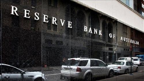 NHTW Úc giữ nguyên lãi suất, đôla Úc sụt giảm