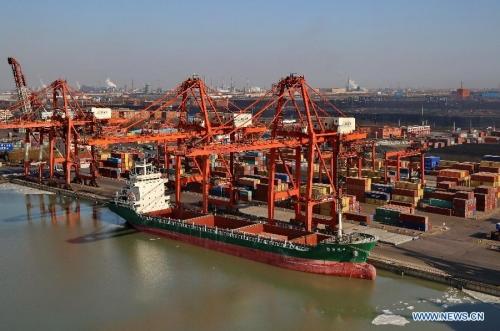 Trung Quốc: Xuất nhập khẩu yếu hơn dự kiến phủ bóng lên kinh tế toàn cầu