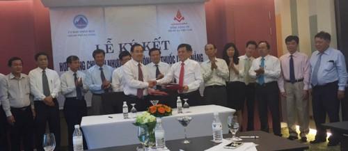 Ký hợp đồng chuyển nhượng vốn Công ty Thuốc lá Đà Nẵng