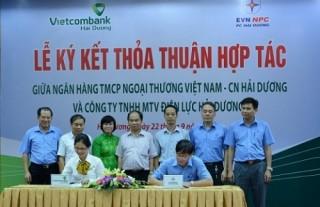 Vietcombank thu hộ tiền điện cho điện lực Hải Dương
