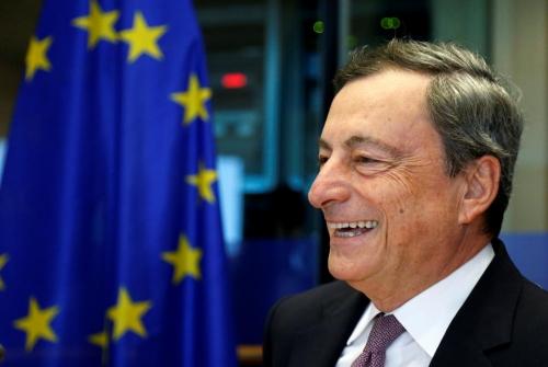 Chủ tịch ECB cảnh báo về động thái chính sách vội vã