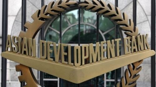 ADB giữ nguyên dự báo tăng trưởng của châu Á, cảnh báo rủi ro từ Fed