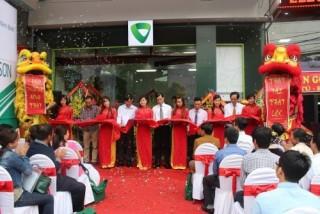 Vietcombank khai trương 2 phòng giao dịch tại Phú Thọ và Ninh Bình