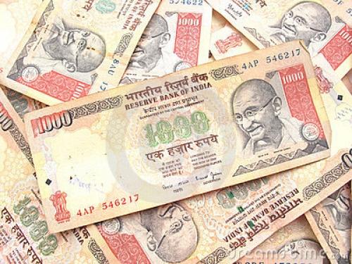 Rupee Ấn Độ tiến sát mức thấp kỷ lục khi 2,7 tỷ USD chảy khỏi nước này