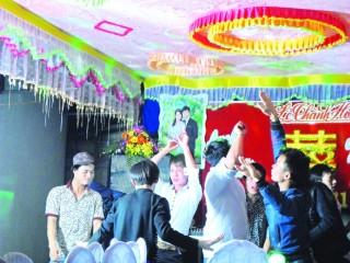 Thanh niên nông thôn và chuyện đêm vui đám cưới