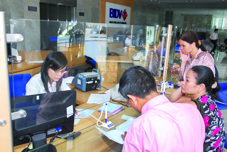 BIDV giành 11 giải Fixed Income Polls 2014