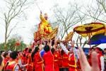 Lễ rước vua giả ở đền Sái