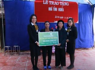 Vietcombank Phố Hiến trao tặng Nhà tình nghĩa
