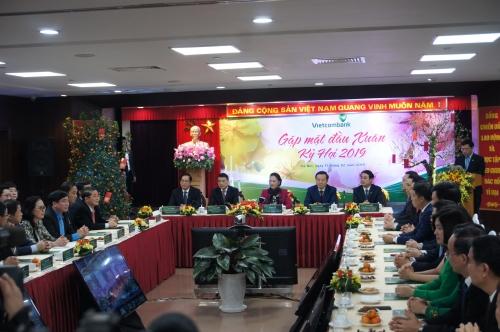 Chủ tịch Quốc hội thăm Vietcombank đầu Xuân Kỷ Hợi