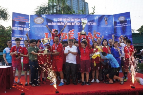 Techcombank vô địch Cúp bóng đá Mùa xuân ngành Ngân hàng Hà Nội