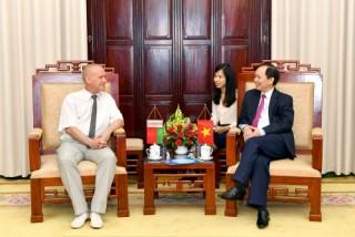 Phó Thống đốc Đào Minh Tú tiếp đoàn đại biểu Công đoàn ngành Tài chính - Ngân hàng Belarus