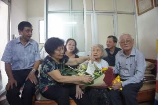 Thăm và tặng quà người cao tuổi ngành Ngân hàng