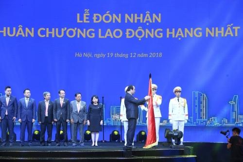Tập đoàn Tân Á Đại Thành đón nhận Huân chương Lao động hạng Nhất