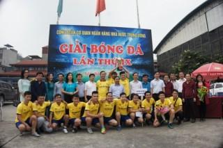 CIC giành ngôi vô địch giải bóng đá Công đoàn Cơ quan NHNN TW