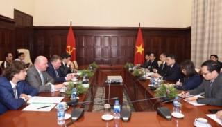 Thống đốc NHNN Việt Nam tiếp Chủ tịch Ban Lãnh đạo IIB