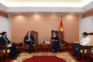Phó Thống đốc Nguyễn Thị Hồng tiếp các Giám đốc điều hành ADB
