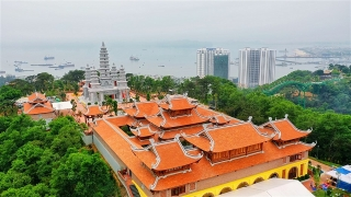 Đẹp thoát tục những quần thể tâm linh tại Quảng Ninh