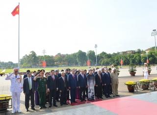 Lãnh đạo Đảng, Nhà nước viếng Chủ tịch Hồ Chí Minh, tưởng niệm các anh hùng liệt sĩ