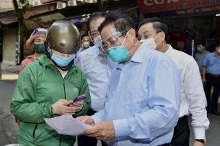 Thủ tướng kiểm tra ổ dịch nóng bỏng nhất, yêu cầu Hà Nội khắc phục ngay những bất cập