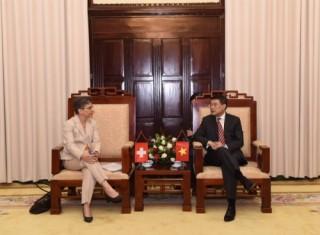 Thống đốc NHNN Việt Nam tiếp Đại sứ Đặc mệnh toàn quyền Liên bang Thụy Sỹ