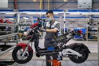 Bloomberg: Xe máy điện VinFast hướng tới tương lai giao thông xanh tại Việt Nam