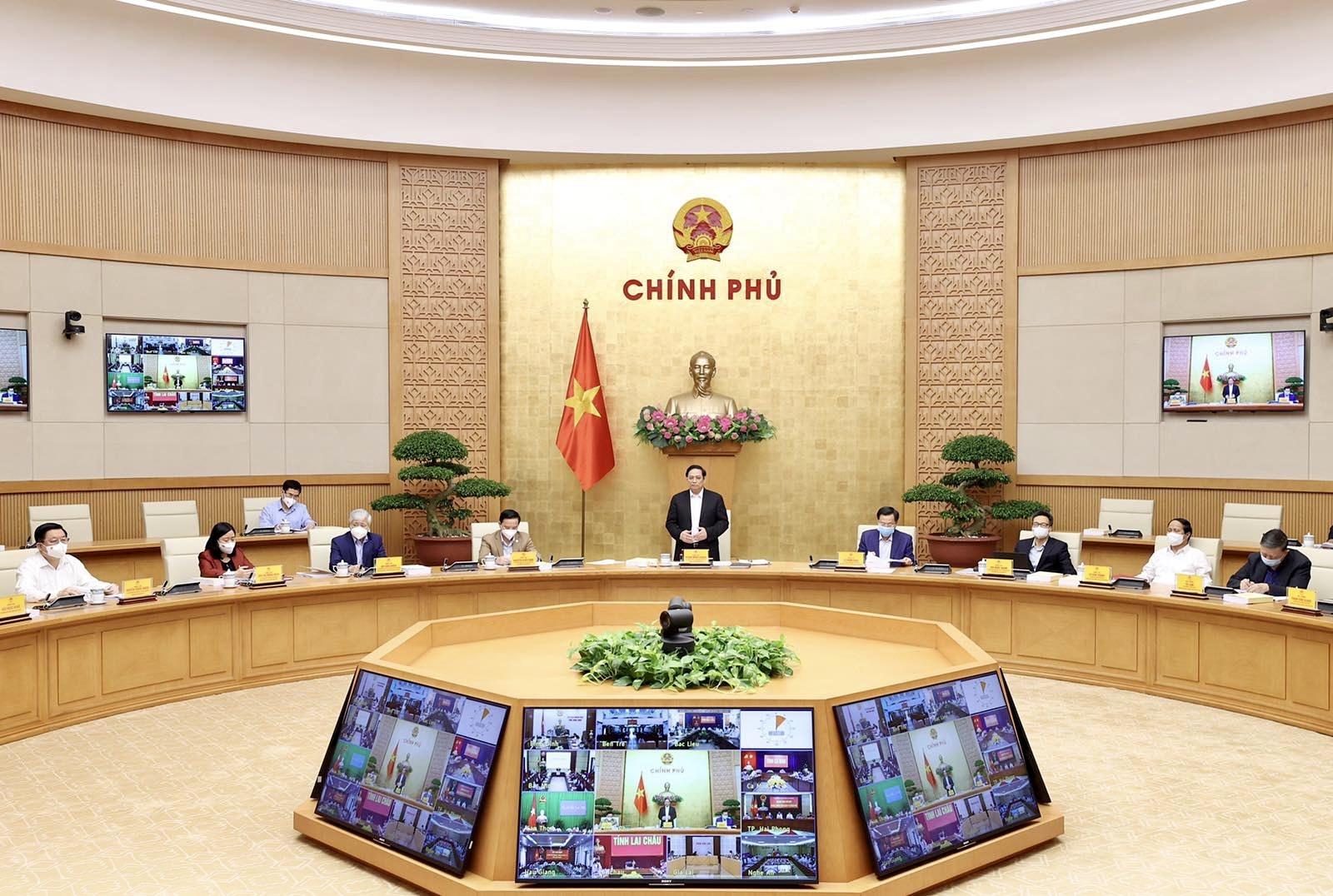 Thực hiện thống nhất chỉ đạo của Trung ương trong phòng chống dịch và phục hồi, phát triển kinh tế
