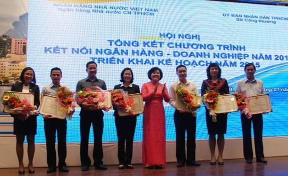 Thời báo Ngân hàng có thành tích vận động Người Việt dùng hàng Việt