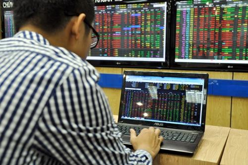 Chứng khoán sáng 28/1: Bệ đỡ từ cổ phiếu ngân hàng