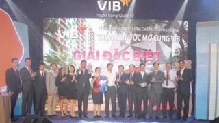 VIB trao giải xe BMW và căn hộ cao cấp