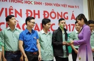 Sinh viên Đại học Đông Á đón chào APEC 2017