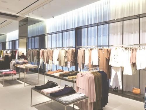 Cận Tết, thời trang giảm giá