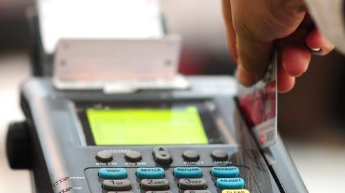 Khuyến mại Tết rộn ràng, ưu đãi vàng cho thẻ tín dụng VIB