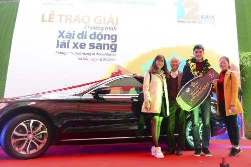 Viettel trao thưởng ô tô Mercedes-BenZ C200 cho khách hàng 9x