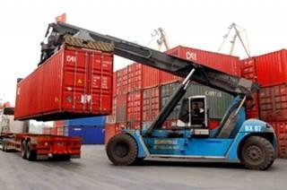 Xuất nhập khẩu… kéo lùi tăng trưởng