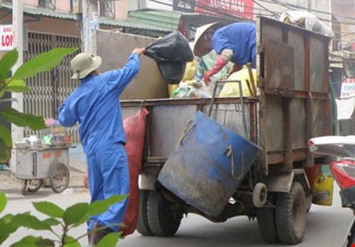 TP.HCM: Thay thế xe lấy rác bằng phương tiện mới
