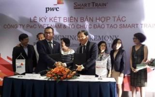 PwC hợp tác với Smart Train