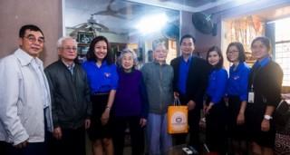 Đoàn Thanh niên NHTW thăm, chúc Tết cán bộ hưu trí NHNN